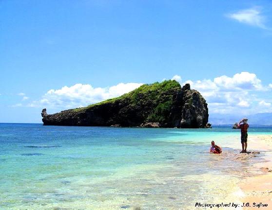 Zambales Camara Island