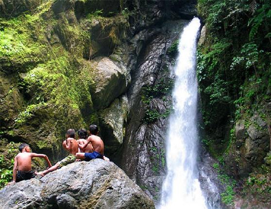 Aurora Ditumabo Falls